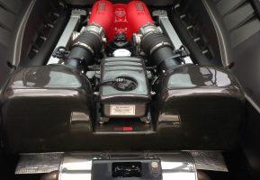 detailing moteur ferrari