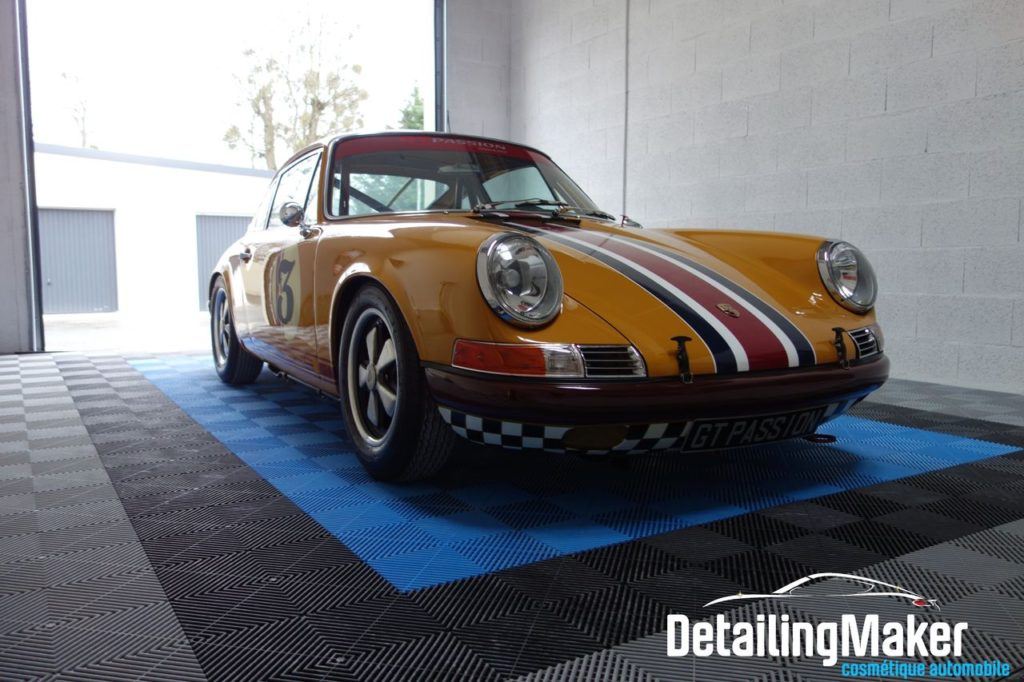 Detailing Porsche 911