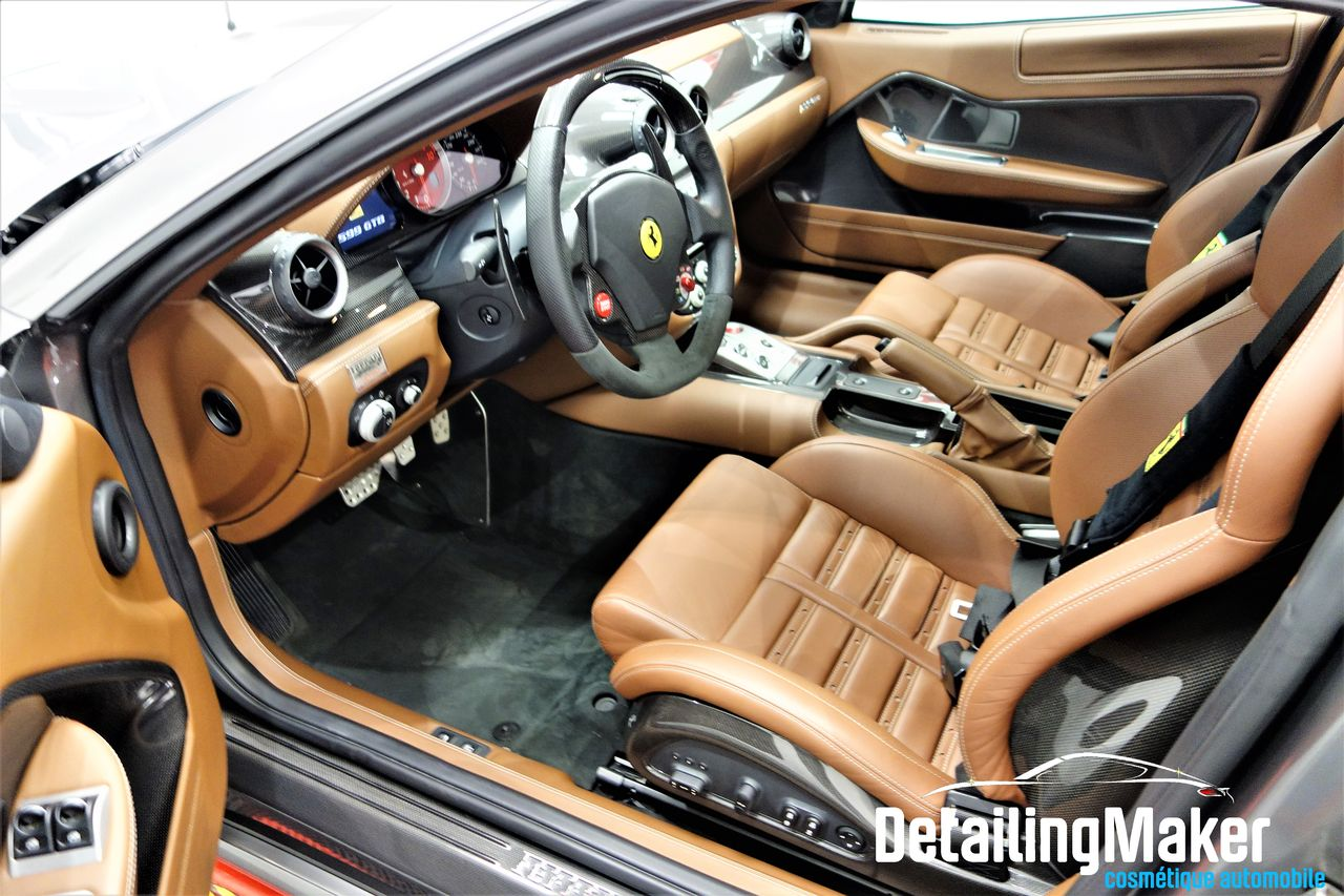 intérieur Ferrari 599