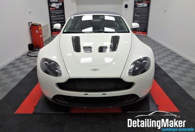 Aston Martin Vantage V12 Roadster S