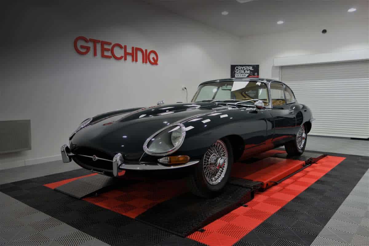 Jaguar Type E detailing