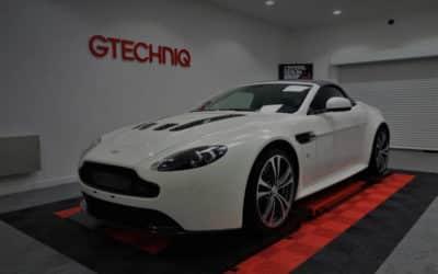 detailing Aston Martin Vantage V12 Roadster S