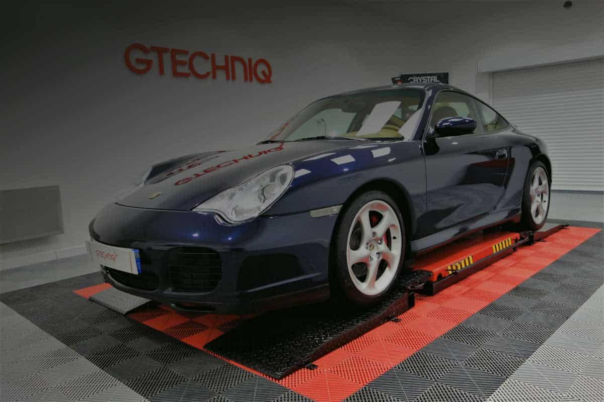 detailing Porsche 996 Carrera 4S