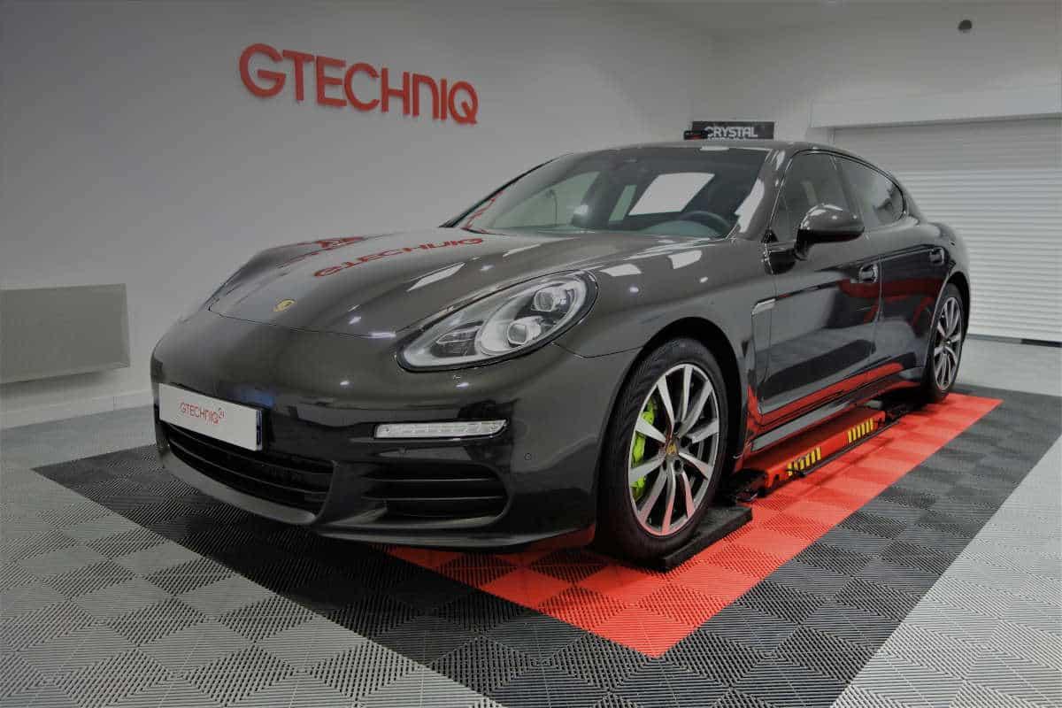 detailing Porsche Panamera Hybrid