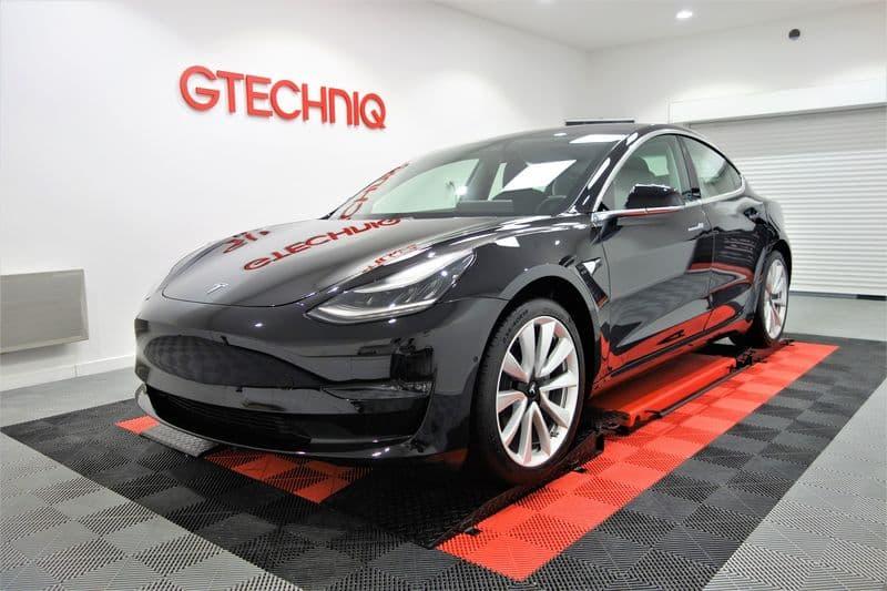 Film de protection carrosserie sur Tesla Model 3 noir_06